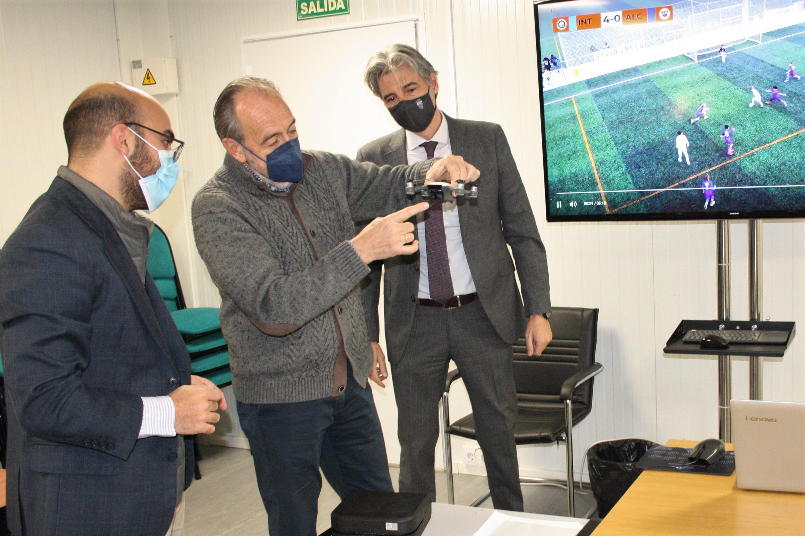 VÍDEO - La RFFM y el fútbol de Madrid dan un paso al futuro con Fly-Fut y su tecnología dron